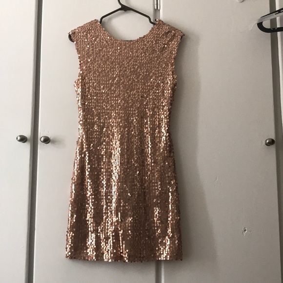 Forever 21 Dresses & Skirts - Bodycon Sequin Rose Gold Party Dress